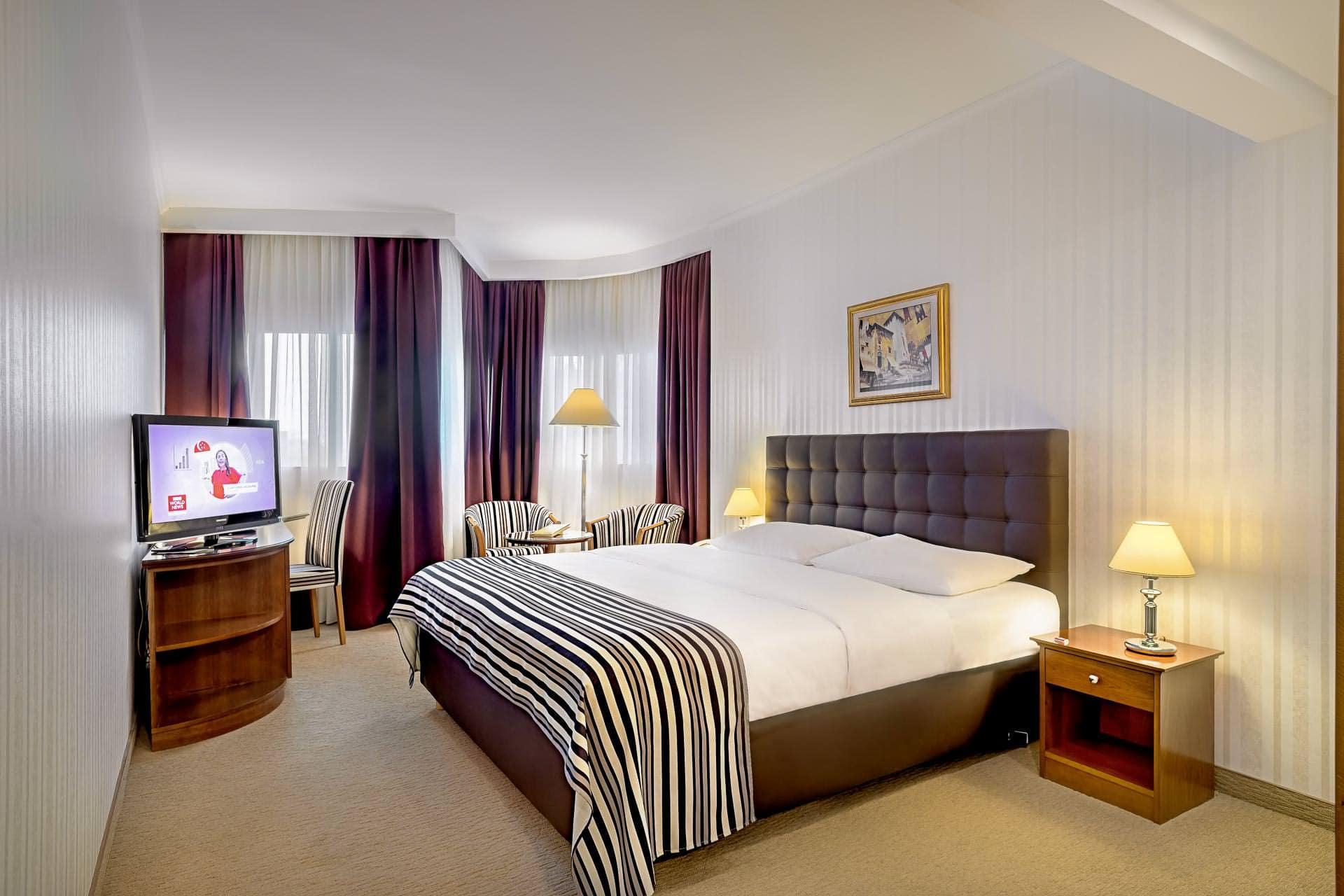 Standard King Size Room Hotel Dubrovnik In Zagreb